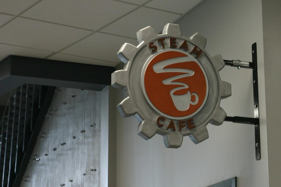 Steam+Cafe+in+the+Innovation+Hub+offers+students+several+food+and+beverage+options+throughout+the+school+day.